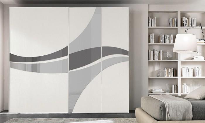 Sandy armoire